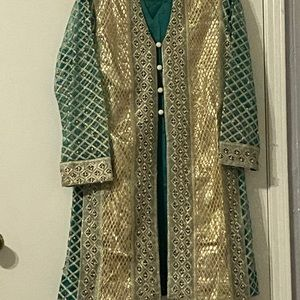 Gorgeous Green and gold Pakistani outfit